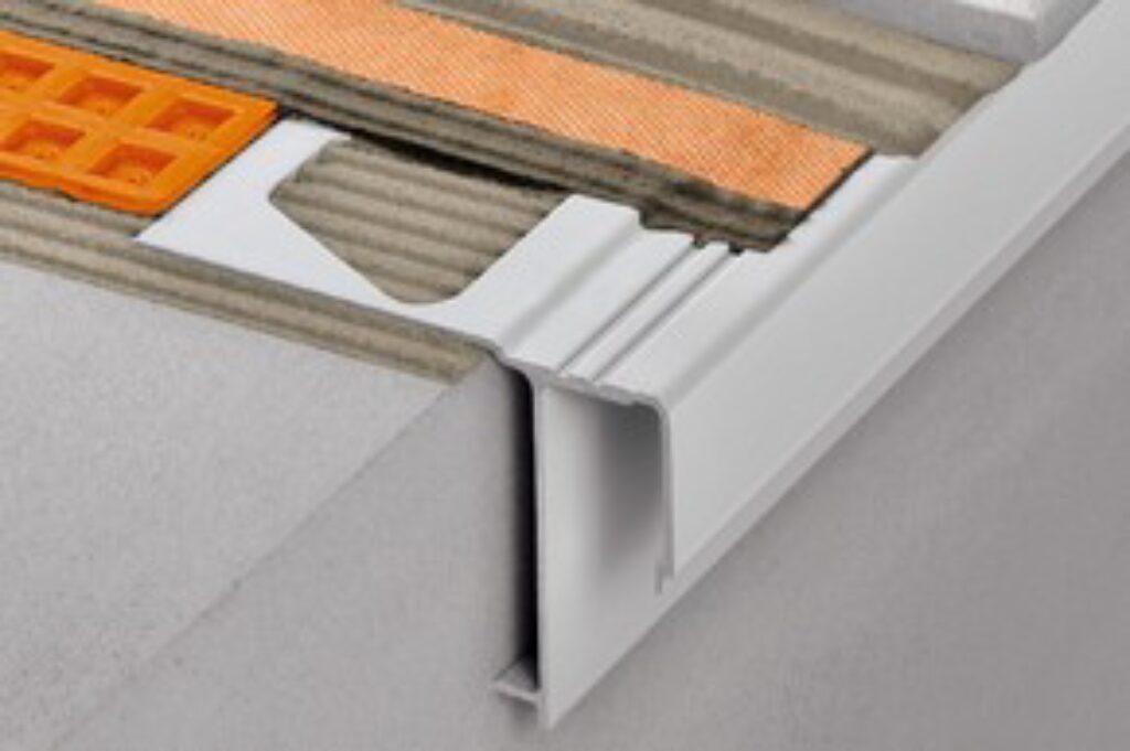 Schl.E135/RAK50PG vnější roh pastelově šedá BARA-RAK/E 135° - Systémová řešení / Balkony a terasy / Katalog koupelen