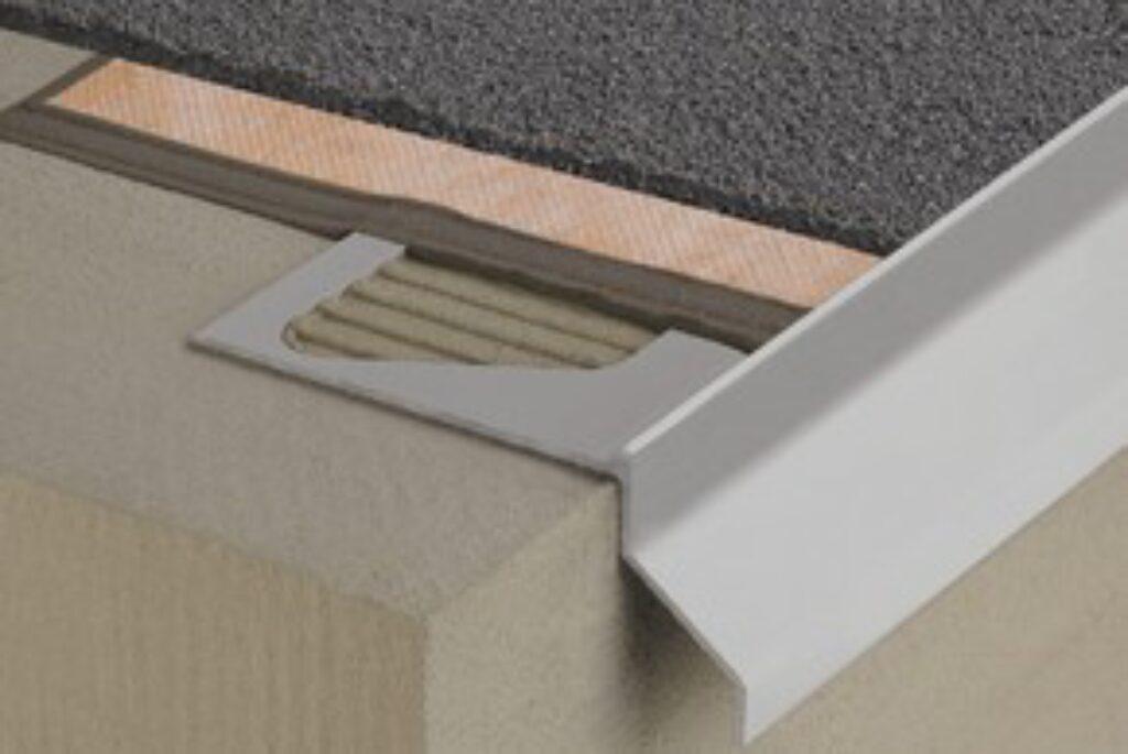 Schl.E135/RKB3PG vnější roh pastelově šedá BARA-RKB/E 135° - Systémová řešení / Balkony a terasy / Katalog koupelen